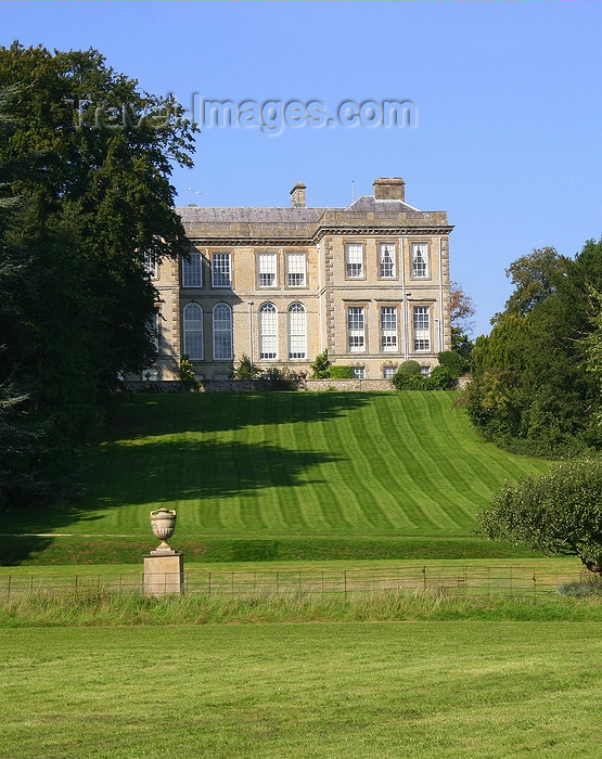 england544: Alcester, Warwickshire, England: Ragley Hall - Palladian House designed by Robert Hooke - home of the Marquess and Marchioness of Hertford - photo by J.Cave - (c) Travel-Images.com - Stock Photography agency - Image Bank