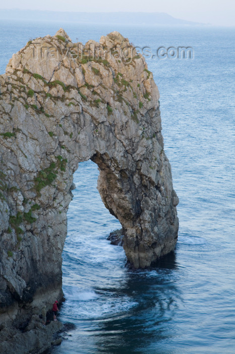 england576: Durdle Door, Dorset, England: natural limestone arch on the Jurassic Coast - UNESCO World Heritage Site - photo by I.Middleton - (c) Travel-Images.com - Stock Photography agency - Image Bank