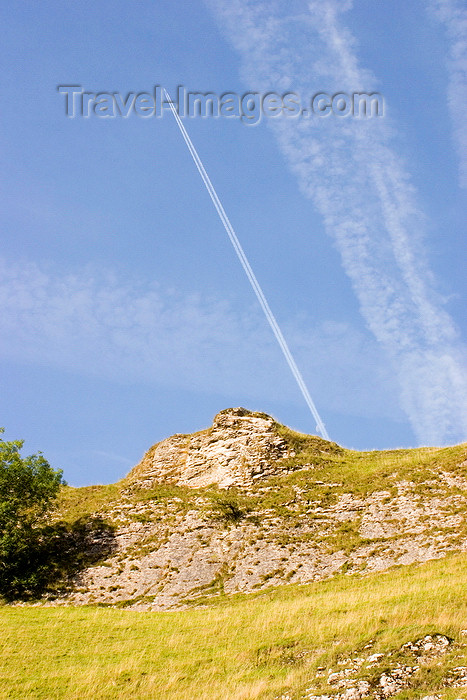 england592: Hope Valley, Peak District, Derbyshire, England: airliner and its vapour trail - near Castleton - photo by I.Middleton - (c) Travel-Images.com - Stock Photography agency - Image Bank
