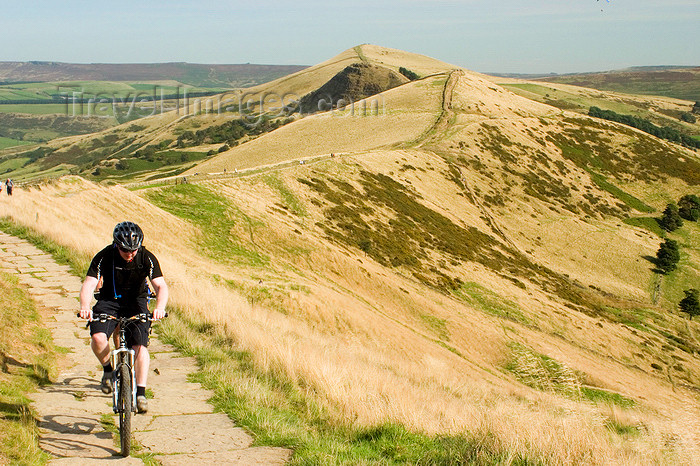 england602: Peak District, Derbyshire, England: cycling across Mam Tor, near Castleton - photo by I.Middleton - (c) Travel-Images.com - Stock Photography agency - Image Bank
