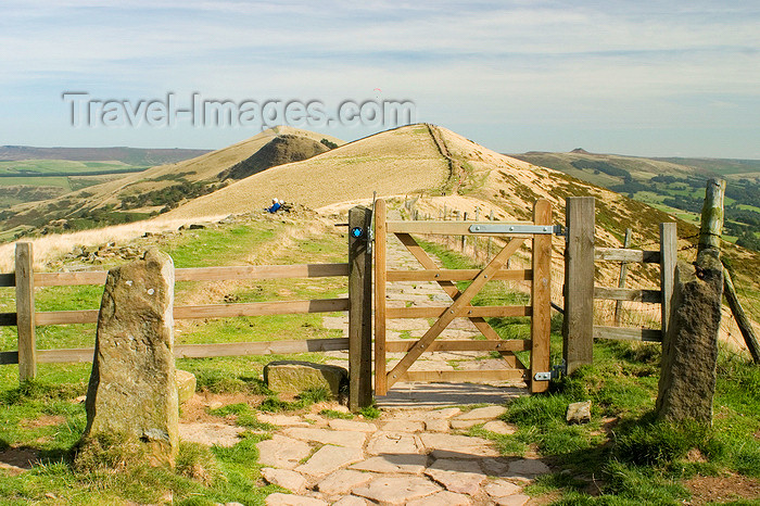 england603: Peak District, Derbyshire, England: gate - hiking across Mam Tor, near Castleton - photo by I.Middleton - (c) Travel-Images.com - Stock Photography agency - Image Bank