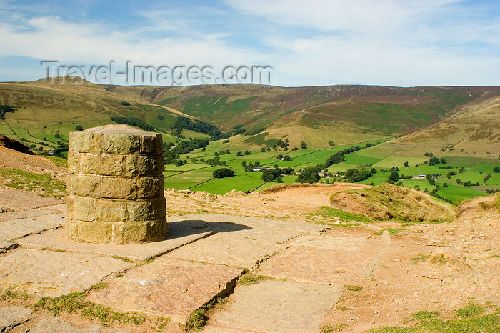 england604: Peak District, Derbyshire, England: marker at Losehill Pike Summit - near Castleton - photo by I.Middleton - (c) Travel-Images.com - Stock Photography agency - Image Bank