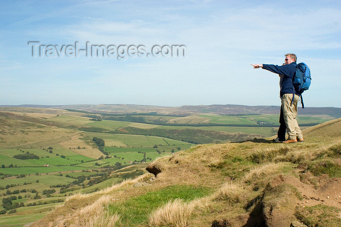 england607: Peak District, Derbyshire, England: hiker pointing at the horizon - near Castleton - photo by I.Middleton - (c) Travel-Images.com - Stock Photography agency - Image Bank
