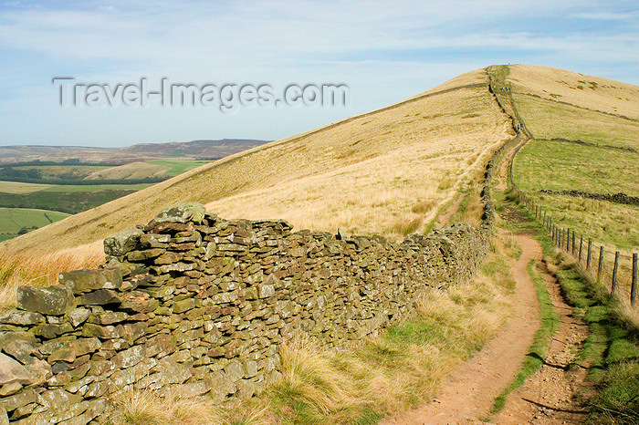 england608: Peak District, Derbyshire, England: trail on a ridge - near Castleton - photo by I.Middleton - (c) Travel-Images.com - Stock Photography agency - Image Bank