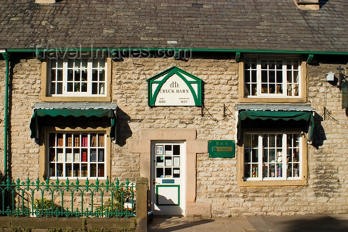 england613: Castleton, Peak District, Derbyshire, England: no vacancies at the Cruck Barn B&B - photo by I.Middleton - (c) Travel-Images.com - Stock Photography agency - Image Bank
