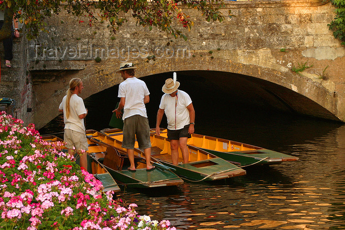 england624: Canterbury, Kent, South East England: Great Stour river - bridge and boats - photo by I.Middleton - (c) Travel-Images.com - Stock Photography agency - Image Bank