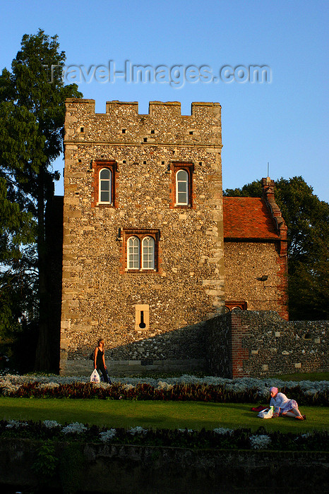 england626: Canterbury, Kent, South East England: Westgate gardens - Westgate city wall, by the Great Stour river - photo by I.Middleton - (c) Travel-Images.com - Stock Photography agency - Image Bank