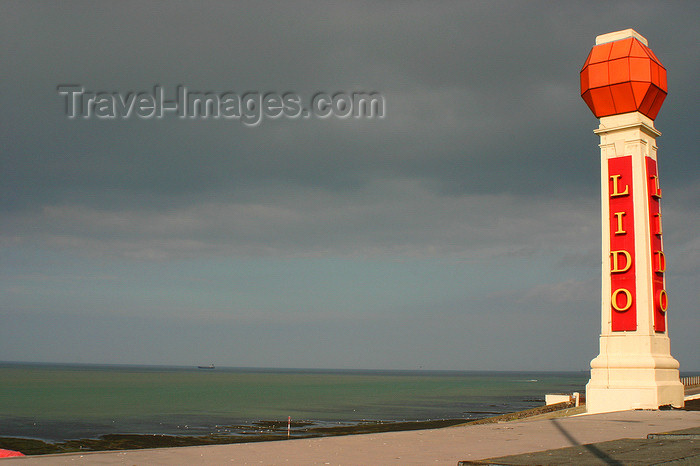 england636: Margate, Kent, South East England: Lido column - Lido Function Rooms, Ethelbert Terrace, Cliftonville - Isle of Thanet - photo by I.Middleton - (c) Travel-Images.com - Stock Photography agency - Image Bank