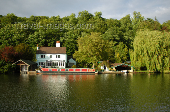 england646: Henley-on-Thames, Oxfordshire, South East England: Marsh Lock - photo by T.Marshall - (c) Travel-Images.com - Stock Photography agency - Image Bank