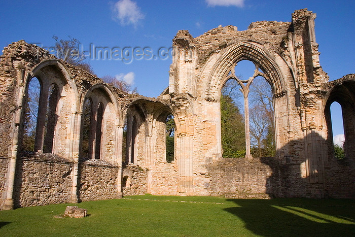 england666: Netley, Hampshire, South East England, UK: Netley Abbey - closed by Henry VIII during the 'Dissolution of the Monasteries' - photo by I.Middleton - (c) Travel-Images.com - Stock Photography agency - Image Bank