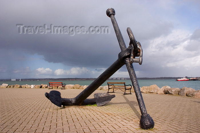 england676: Hythe, New Forest, Hampshire, South East England, UK: old anchor and promenade by the Southampton Water - photo by I.Middleton - (c) Travel-Images.com - Stock Photography agency - Image Bank