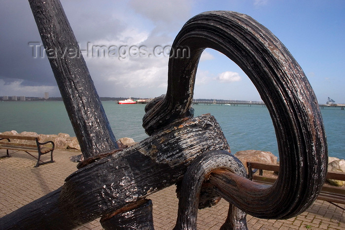 england677: Hythe, New Forest, Hampshire, South East England, UK: anchor detail - Hythe Pier Railway in the background - photo by I.Middleton - (c) Travel-Images.com - Stock Photography agency - Image Bank