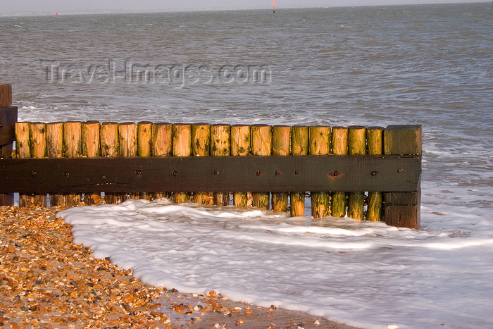 england680: Calshot, Solent, Hampshire, South East England, UK: pebble beach - Calshot Spit - photo by I.Middleton - (c) Travel-Images.com - Stock Photography agency - Image Bank