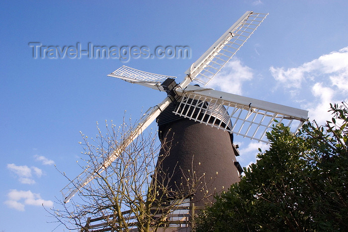 england683: Burlesdon, Hampshire, England, UK: Burlesdon Windmill - built in 1813, the mill still grinds grain to make stoneground flour - photo by I.Middleton - (c) Travel-Images.com - Stock Photography agency - Image Bank