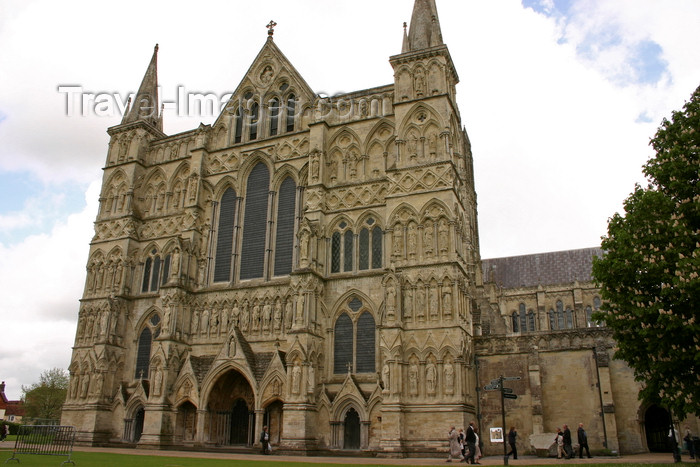 england705: Salisbury, Wiltshire, South West England, UK: Salisbury Cathedral - Great West Front - dedicated to Saint Mary - Church of England - photo by I.Middleton - (c) Travel-Images.com - Stock Photography agency - Image Bank