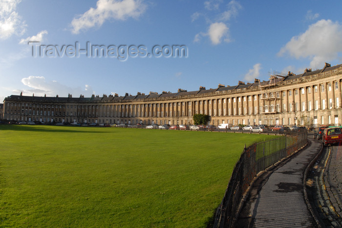england710: Bath, Somerset, South West England, UK: the Royal Crescent - Georgian architecture - grade I listed building - photo by T.Marshall - (c) Travel-Images.com - Stock Photography agency - Image Bank