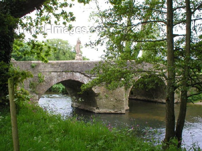 england74: Bradford-On-Avon (Wiltshire): Iford Manor Bridge - photo by N.Clark - (c) Travel-Images.com - Stock Photography agency - Image Bank