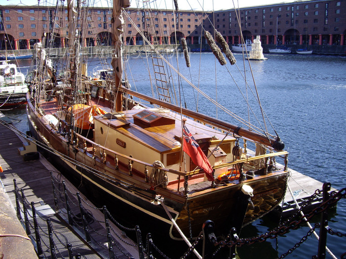 england745: Liverpool, Merseyside, North West England, UK: Albert dock - UNESCO World Heritage Maritime Mercantile City - the brigantine Zebu, built in Raa, Sweden for Baltic trade - photo by T.Brown - (c) Travel-Images.com - Stock Photography agency - Image Bank