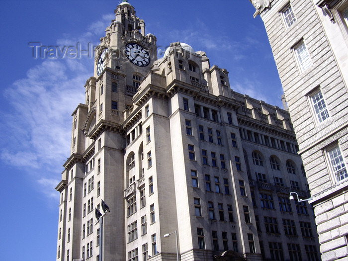 england753: Liverpool, Merseyside, North West England, UK: Liver building - one of the Three Graces of Pier Head - architect Walter Aubrey Thomas - UNESCO world heritage Maritime Mercantile City - photo by T.Brown - (c) Travel-Images.com - Stock Photography agency - Image Bank