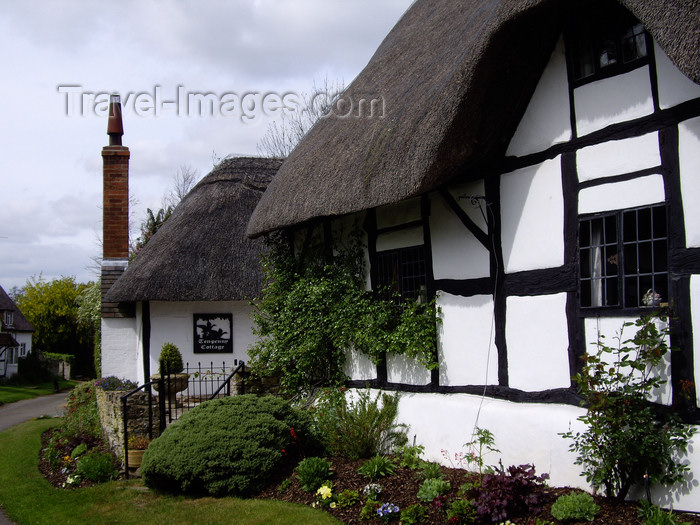 england758: Welford-on-Avon, West Midlands, England, UK: Ten-penny cottage - Boat Lane - photo by T.Brown - (c) Travel-Images.com - Stock Photography agency - Image Bank