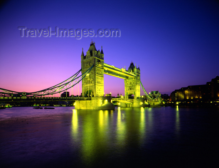 england778: London, England: Tower Bridge - nocturnal - opened in 1894 by The Prince of Wales, the future King Edward VII - photo by A.Bartel - (c) Travel-Images.com - Stock Photography agency - Image Bank