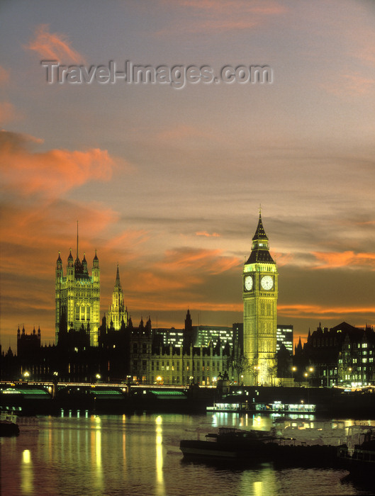 england780: London, England: Big Ben, Westminster Palace and the Thames at dusk - photo by A.Bartel - (c) Travel-Images.com - Stock Photography agency - Image Bank
