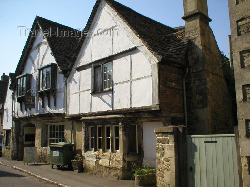 england81: Lacock (Wiltshire): the Sign of the Angel Guest House - photo by N.Clark - (c) Travel-Images.com - Stock Photography agency - Image Bank