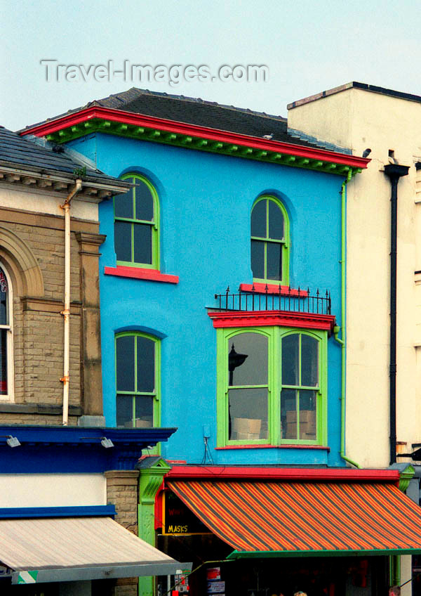 england84: England (UK) - Southport (Merseyside): colourful house - photo by D.Jackson - (c) Travel-Images.com - Stock Photography agency - Image Bank