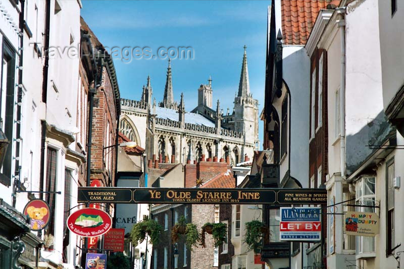 england88: York, North Yorkshire, England: Stonegate, where Guy Fawkes was born - photo by D.Jackson - (c) Travel-Images.com - Stock Photography agency - Image Bank