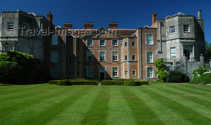 england98: Romsey, Hampshire, South East England, UK: Mottisfont Abbey - façade - photo by T.Marshall - (c) Travel-Images.com - Stock Photography agency - Image Bank