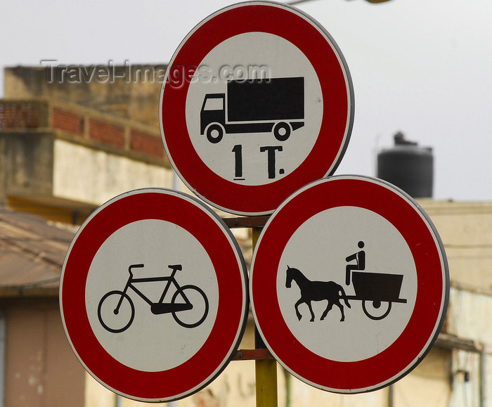 eritrea13: Eritrea - Asmara: traffic signs near the market - photo by E.Petitalot - (c) Travel-Images.com - Stock Photography agency - Image Bank