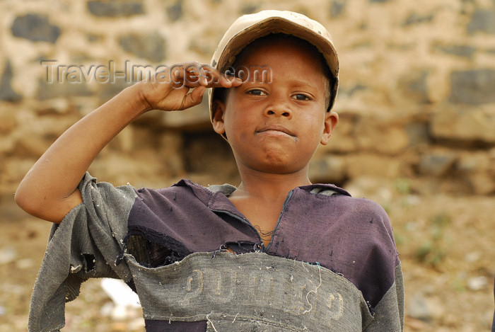 eritrea78: Eritrea - Mendefera, Southern region: a poor child soldier stands to attention - photo by E.Petitalot - (c) Travel-Images.com - Stock Photography agency - Image Bank