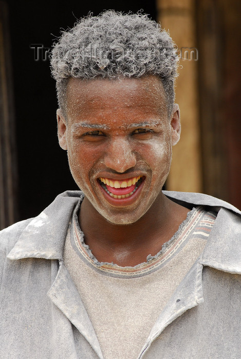 eritrea82: Eritrea - Mendefera, Southern region: smiling miller, covered in flour - photo by E.Petitalot - (c) Travel-Images.com - Stock Photography agency - Image Bank
