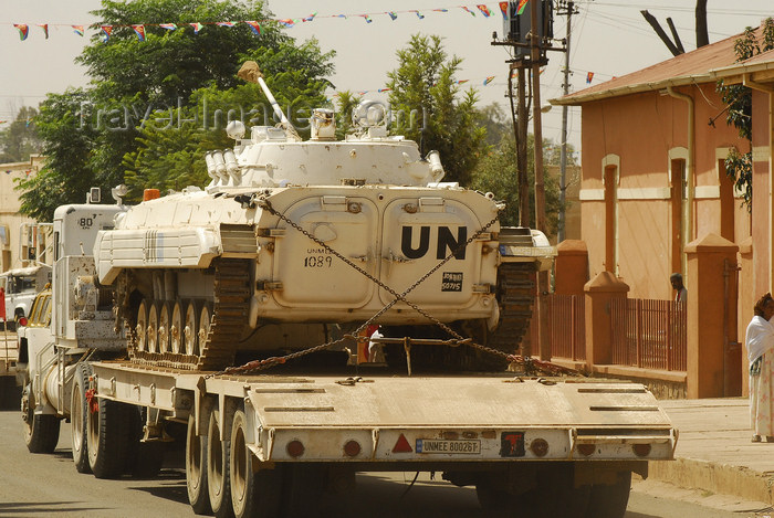 eritrea89: Eritrea - Mendefera, Southern region: peacekeepers - United Nations Mission in Ethiopia and Eritrea (UNMEE) tank on a semitrailer - photo by E.Petitalot - (c) Travel-Images.com - Stock Photography agency - Image Bank