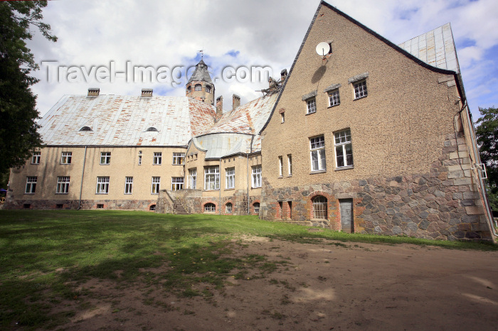 estonia136: Estonia - Taagepera: Taagepera castle - von Rehbinder manor - Taagepera Loss - Valgamaa - Jugendstil architecture by Otto Wildau - photo by A.Dnieprowsky - (c) Travel-Images.com - Stock Photography agency - Image Bank