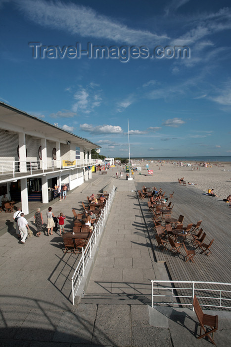 estonia140: Estonia - Pärnu, Pernau, Pernava, Parnawa: beach café - Rannakohvik - photo by A.Dnieprowsky - (c) Travel-Images.com - Stock Photography agency - Image Bank