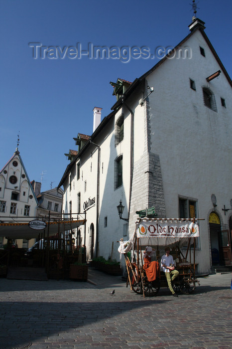 estonia174: Estonia - Tallinn - Old Town - Vana Turg and Old Hansa restaurant - photo by K.Hagen - (c) Travel-Images.com - Stock Photography agency - Image Bank