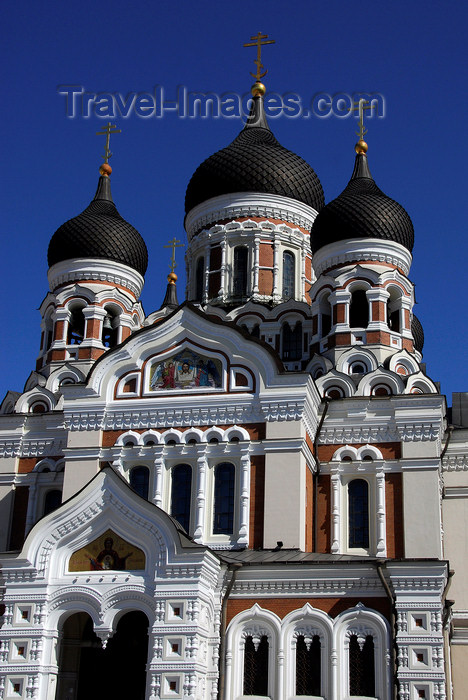 estonia181: Estonia, Tallinn: Alexander Nevsky Cathedral - built where the Estonian folk hero Kalevipoeg is said to rest - photo by J.Pemberton - (c) Travel-Images.com - Stock Photography agency - Image Bank