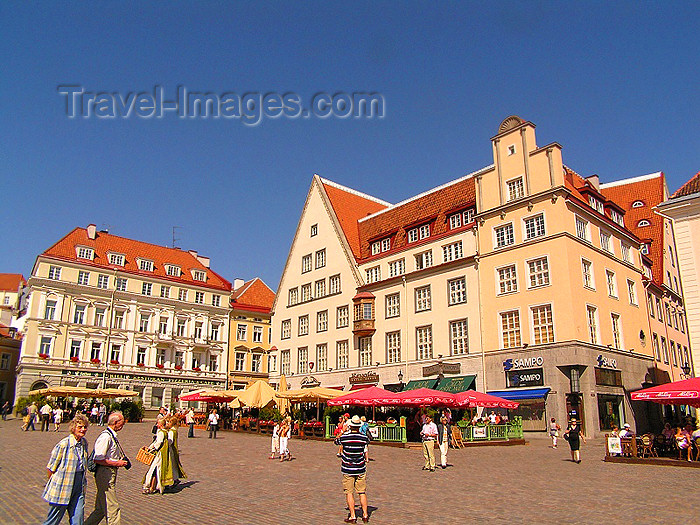 estonia41: Estonia - Tallinn: summer on Town Hall square - Raekoja Plats - Unesco World Heritage - photo by J.Kaman - (c) Travel-Images.com - Stock Photography agency - Image Bank