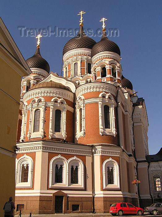 estonia46: Estonia - Tallinn: behind Alexander Nevski Orthodox Cathedral - photo by J.Kaman - (c) Travel-Images.com - Stock Photography agency - Image Bank