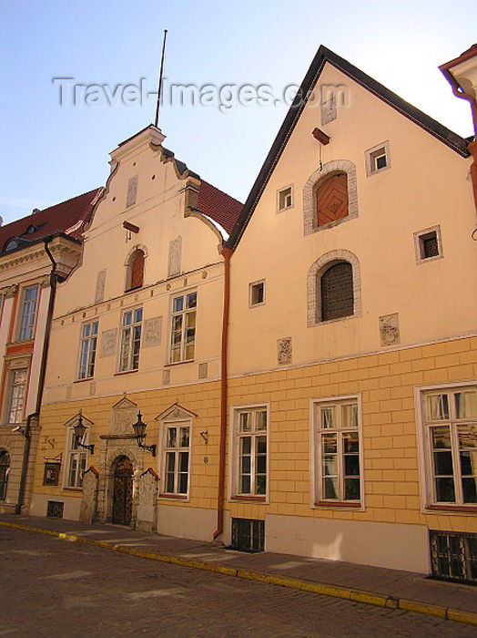 estonia48: Estonia - Tallinn: House of the Brotherhood of the Blackheads - guild hall - Mustpeade Maja - Pikk street 26 - photo by J.Kaman - (c) Travel-Images.com - Stock Photography agency - Image Bank