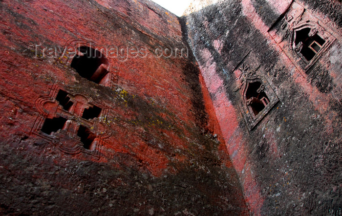 ethiopia170: Lalibela, Amhara region, Ethiopia: Bet Mikael rock-hewn church, aka Bet Debre Sina - finely carved windows - UNESCO world heritage site - photo by M.Torres - (c) Travel-Images.com - Stock Photography agency - Image Bank