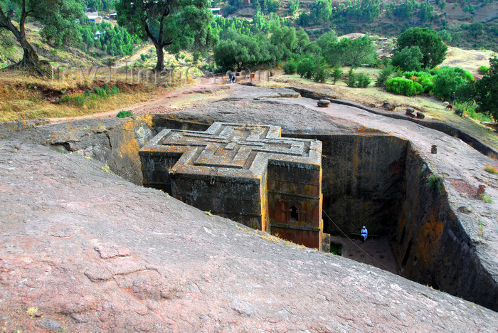 ethiopia178: Lalibela, Amhara region, Ethiopia: Bet Giyorgis rock-hewn church from above - Ethiopian Orthodox Tewahedo Church - UNESCO world heritage site - photo by M.Torres - (c) Travel-Images.com - Stock Photography agency - Image Bank