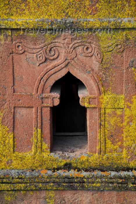 ethiopia183: Lalibela, Amhara region, Ethiopia: Bet Giyorgis rock-hewn church - decorated window - UNESCO world heritage site - photo by M.Torres - (c) Travel-Images.com - Stock Photography agency - Image Bank