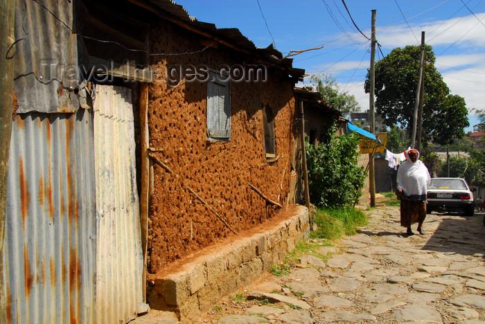 ethiopia21: Addis Ababa, Ethiopia: mud house - shanty town near Jomo Kenyatta avenue - photo by M.Torres - (c) Travel-Images.com - Stock Photography agency - Image Bank