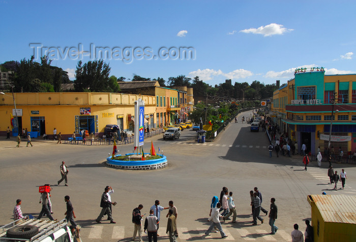 ethiopia223: Gondar, Amhara Region, Ethiopia: Piazza and main avenue - photo by M.Torres - (c) Travel-Images.com - Stock Photography agency - Image Bank