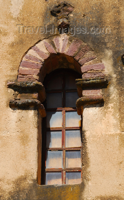 ethiopia307: Gondar, Amhara Region, Ethiopia: Royal Enclosure - Yohannes Library - narrow window - photo by M.Torres - (c) Travel-Images.com - Stock Photography agency - Image Bank