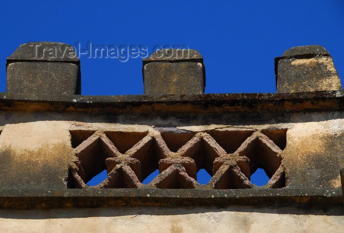 ethiopia309: Gondar, Amhara Region, Ethiopia: Royal Enclosure - Yohannes Library - battlement - crenellation - photo by M.Torres - (c) Travel-Images.com - Stock Photography agency - Image Bank
