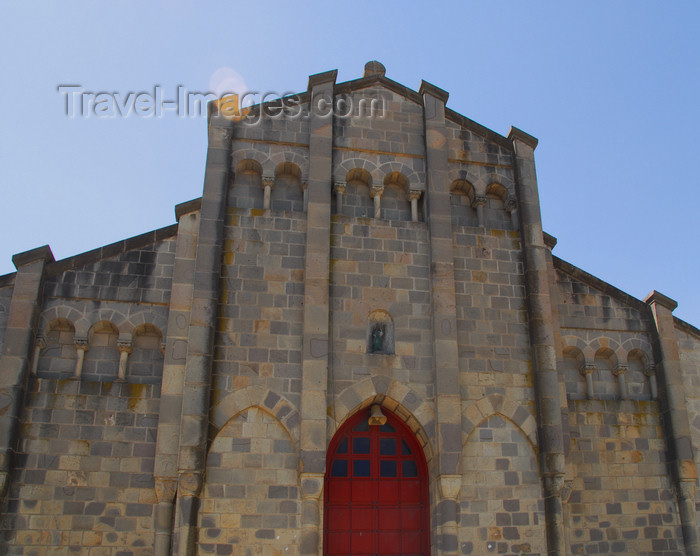 ethiopia35: Addis Ababa, Ethiopia: stone church on Gambia street - photo by M.Torres - (c) Travel-Images.com - Stock Photography agency - Image Bank