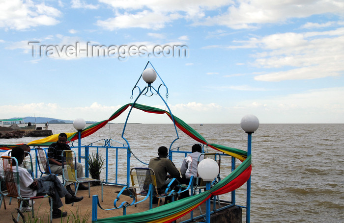 ethiopia416: Bahir Dar, Amhara, Ethiopia: relaxing on the bank of lake Tana - photo by M.Torres - (c) Travel-Images.com - Stock Photography agency - Image Bank